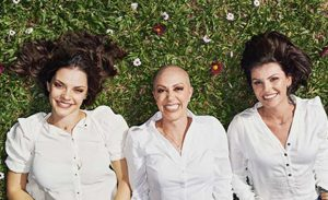 Na batalha contra o câncer, elas compartilham suas experiências