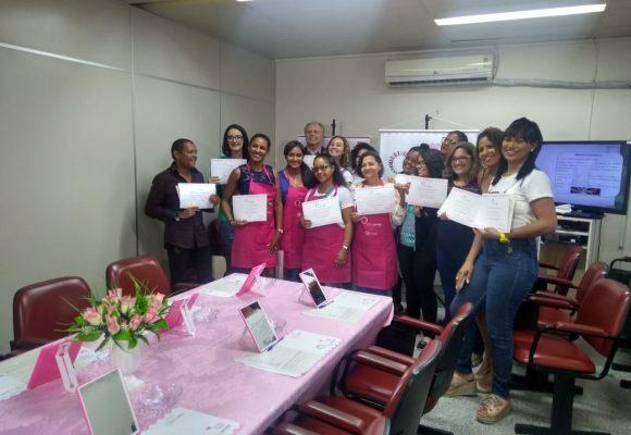 Oficinas de automaquiagem chegam ao CICAN, em Salvador